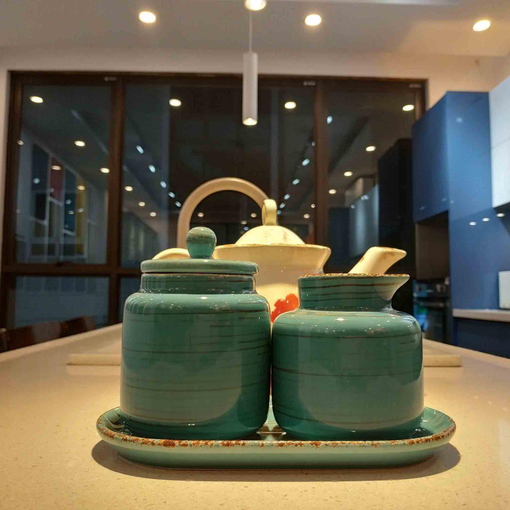 Ảnh: Showroom Vinakit – Chuyên Gia Tủ Bếp